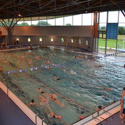 Acc s la piscine pour les adh rents du cnf club de natation fougerais propuls par saytup - Piscine fougeres ...